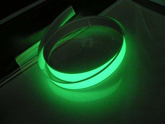 El tape neon green chiosz robots 3