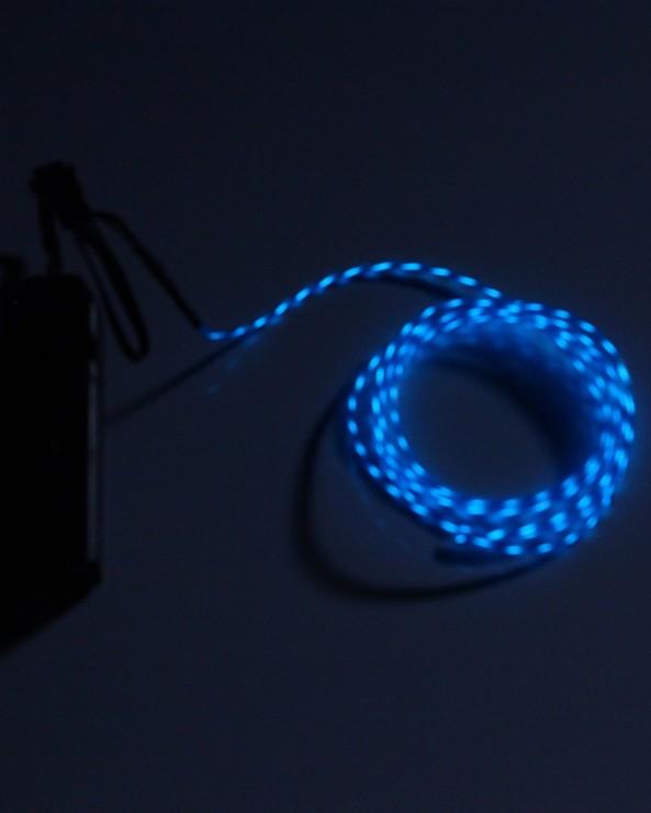 chasing el wire blue chiosz robots 2