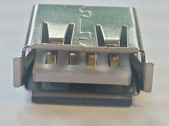 usb female conecctor chiosz robots 3
