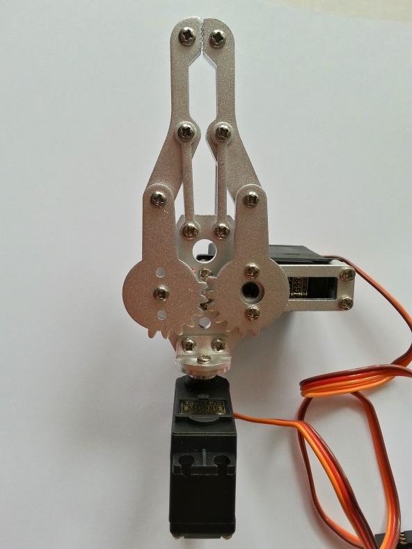 Claw 2servo MG995 chiosz robots 4